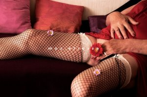 Zainabe escort girl à Thouars 79